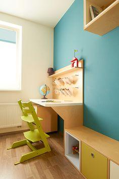 Psací stůl pro školáka a židle Stokke Tripp Trapp © Katka Horáková, www.DesignVille.cz