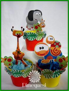 Para el primer añito de Vicentino preparamos una selva llena de colores con los personajes de Babytv.        Mesa de golosinas            ... 1st Bday Cake, 1st Birthday Themes, Boy First Birthday, 1st Birthday Parties, Baptism Party, Baby Party, Baby Einstein Party, Baby Tv Cake, Baby Cakes