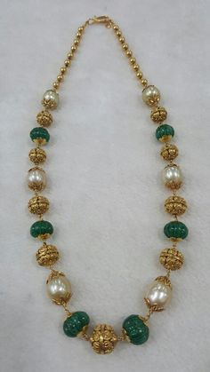 Simple Beads Necklaces with Nakshi Balls – jewelrydesign. Pearl Necklace Designs, Jewelry Design Earrings, Gold Earrings Designs, Beaded Necklace, Pearl Jewelry, Gold Jewellery, Beaded Jewelry, Antique Jewellery Designs, Gold Jewelry Simple