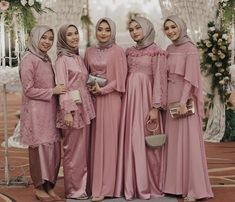 Satin Dress Brokat Muslim, Dress Brokat Modern, Kebaya Brokat, Kebaya Muslim, Dusty Pink Dresses, Dusty Blue Bridesmaid Dresses, Pink Satin Dress, Kebaya Dress, Kebaya Hijab
