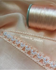 Diy Crafts - This Pin was discovered by Seb Filet Crochet, Crochet Lace Edging, Crochet Trim, Quilt Patterns Free, Lace Patterns, Beading Patterns, Crochet Patterns, Fall Craft Fairs, Saree Tassels Designs