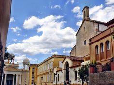 Mare de Déu del Lledó, espai, d'interès local. http://ca.wikipedia.org/wiki/Mare_de_D%C3%A9u_del_Lled%C3%B3_de_Valls