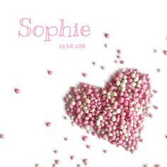 Lief geboortekaartje met roze witte muisjes in de vorm van een gestrooid hartje, verkrijgbaar bij #kaartje2go voor €1,99