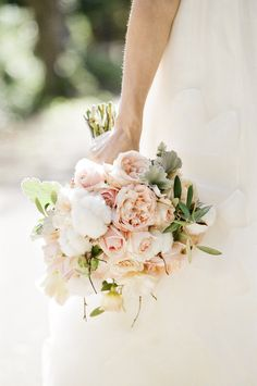 Pink flower and cotton bouquet