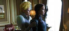 Découvrez une image de Hunger Games 4 la révolte partie 2 avec Effie et Katniss.