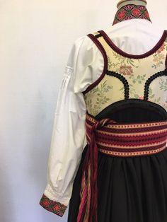 (2) FINN – Skjorte til beltestakk Folk Costume, Costumes, Wool Embroidery, Folklore, Norway, Culture, Travel, Women, Fashion
