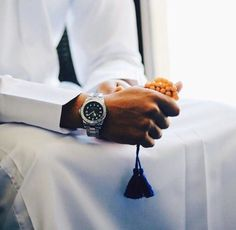 Life with islam Muslim Images, Muslim Pictures, Stylish Dpz, Stylish Boys, Beautiful Boy Image, Arab Men Dress, Arab Models, Dark Knight Wallpaper, Arab Men Fashion
