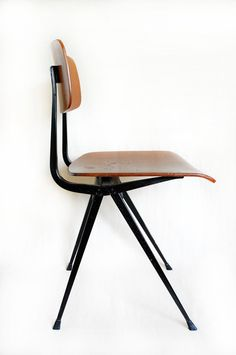 Result Chair | Friso Kramer | Dutch Modern