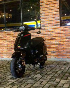 Custom Vespa, Custom Bikes, Vespa 150, Vespa Sprint, Vespa Scooters, T5, Sport, Cool Bikes, Motors