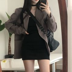 Shared by Find images and videos about cute, black and dress on We Heart It - the app to get lost in what you love. Korean Girl Fashion, Korean Street Fashion, Ulzzang Fashion, Cute Fashion, Asian Fashion, Look Fashion, Kpop Fashion Outfits, Edgy Outfits, Korean Outfits