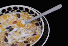 El muesli en el desayuno, excelente alternativa nutricional http://blgs.co/3B2pXf