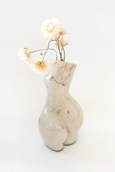 The limited Raku series is handcrafted in Austria by the artist Andrea Kollar in cooperation with Lea and Simone from Studio Kiru who created their very own unique style of Raku. You can find different shapes and sculptures in my online shop. Each vase of this series is a unique piece. Raku pottery | raku art | sculpture body | handmade art piece | contemporary artwork | modern design | aesthetic home decor #andreakollar Raku Pottery, Pottery Sculpture, Vase Centerpieces, Vases Decor, Ceramic Decor, Ceramic Art, Vase Design, Oil Pastel Art, Charcoal Art
