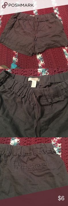 Soft stretch shorts Forever 22 shorts, cargo like but stretchy and soft size medium. Stretchy waste band Forever 21 Shorts