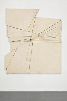 Wyatt Kahn's wall sculptures Contemporary Abstract Art, Modern Art, Wall Sculptures, Sculpture Art, Geometric Sculpture, Art Plastique, Bauhaus, Installation Art, Art Boards