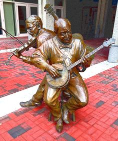 Jammin' in Downtown Asheville, North Carolina #Bluegrass, #ArtAVL,#LocalFlavorAVL