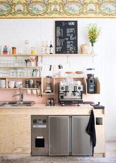 New Design Hot Spot Buchbar In Antwerp // Photo by Frederik Vercruysse