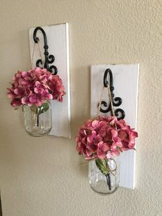 Electric sconces are an exceptional method to totally alter the look and feel of your property. Otherwise, electric wall membrane sconces are a lot sa. Home diy tips Beautiful Ways Hanging Mason Jar Sconces Mason Jar Wall Sconce, Hanging Mason Jars, Rustic Mason Jars, Wall Sconces, Mason Jar Lanterns, Mason Jar Lighting, Rustic Walls, Rustic Decor, Bedroom Rustic