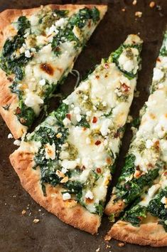 Three Cheese Pesto Spinach Flatbread Pizza - Packs an entire box of spinach into one glorious single-serving pizza!