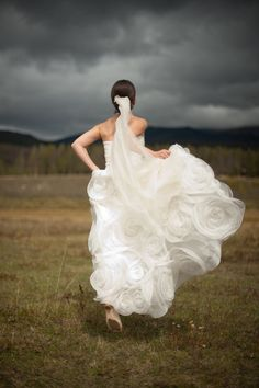 Wow! What a dramatic shot! ~from SMP's Little Black Book Blog: Devil's Thumb Ranch Wedding. Photography by Paige Elizabeth ~ http://paigeelizabeth.net