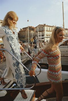 Saint-Tropez Ladies (© Slim Aarons) | Repinned by Temple Towels & Swim, www.templetowels.com