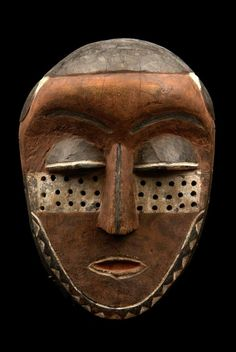 "Face mask ""kindombolo"" from the Pende people of DR Congo a r c a n o 18+ : Photo"