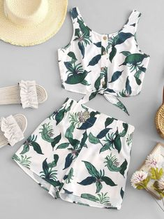 Leaf Knotted Crop Top and Shorts Set Cute Comfy Outfits, Cute Girl Outfits, Cute Summer Outfits, Outfits For Teens, Pretty Outfits, Fashionable Outfits, Summer Shorts, Stylish Outfits, Crop Top Outfits