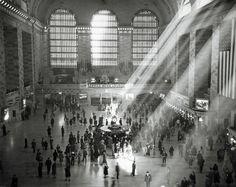 Main concourse, early 1940s; Photo: New York Central System via Trains