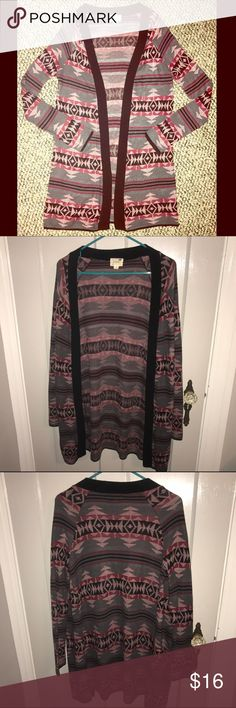 Gray & Maroon Patterned Cardigan from Pacsun This is in absolute perfect condition! It has been worn a couple times, but has held up very nicely! It runs quite long and sort of oversized. The sleeves are are baggy and are fitted to the arm! Purchased from Pacsun but the actual brand is LA Hearts LA Hearts Sweaters Cardigans