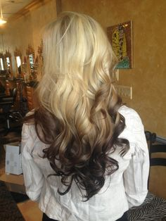 Reverse ombre; totally wanting to do this for summer!