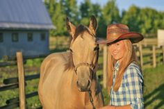 that is Amber Marshalls own horse his name is CASH. I am pretty share.