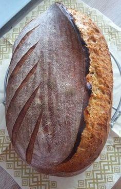 Pivný kváskový chlebík Baked Potato, Baking, Ethnic Recipes, Desserts, Food, Breads, Basket, Tailgate Desserts, Bread Rolls
