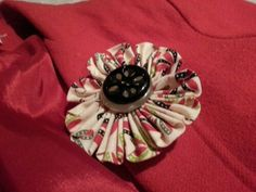 Vintage buttons, beautifully pleated fabric in the Japanese kanzashi style. Looks great with my vintage wool blazer and jeans. Vintage Wool, Vintage Buttons, Pleated Fabric, Handmade Flowers, Good Things, Day