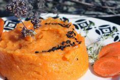 Purée patate douce carotte /Companion thermomix  Faite en crumble au four pendant 15mn, 180°C, avec un mélange aux noisettes (une tasse de poudre de noisette, 50g de parmesan et 3CàS d'huile d'olive)