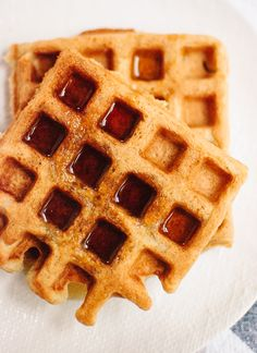 Easy gluten-free waffles recipe - cookieandkate.com - oat flour, coconut milk, coconut oil