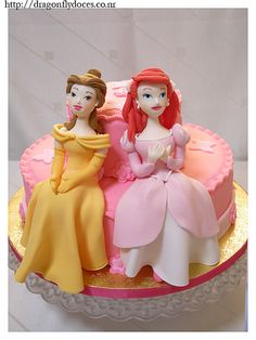 Ariel and Belle cake by Dragonfly Doces bakery from Araçatuba, Brazil. Disney Princess Outfits, Disney Princesses And Princes, Disney Princess Party, Princess Birthday, Princess Cakes, Princess Castle, Princess Belle, Belle Cake, Character Cakes