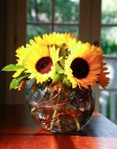 Sunflower with curly willow & bubble bowl.