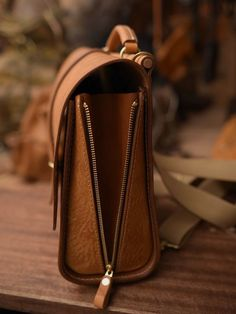 women handbags and purses Leather Backpack, Leather Wallet, Wooden Bag, Craft Bags, Leather Projects, Leather Design, Leather Accessories, Canvas Leather, Beautiful Bags