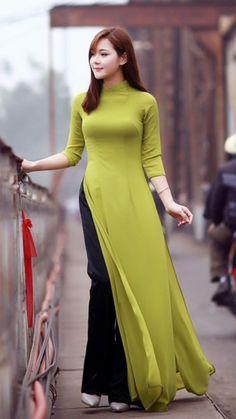 lime-pie-chiffon-ao-dai-vietnam-black-silk-pant-1