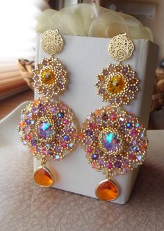10 Handmade Earrings Ideas with Great Tutorials Bead Jewellery, Seed Bead Jewelry, Beaded Jewelry, Jewelery, Beaded Necklace, Earrings Handmade, Handmade Jewelry, Embroidery Jewelry, Jewelry Making Tutorials