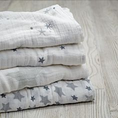 Star Swaddle Blankets (Set of 4)   The Land of Nod