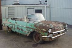 a This rusty 1957 Chevy Bel Air barn find is in sad shape and needs a lot of work