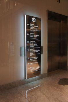 Wayfinding - Elevator sign - Village Mall - Barra da Tijuca (RJ) - Brazil # Brazilian design: