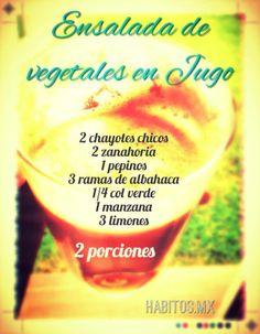 Jugo verde: chayotes chicos, zanahoria, pepinos, albahaca, col verde, manzana y limones