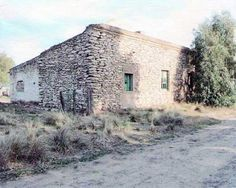 Casa de piedra que perteneció a la familia de Gabino Ezeiza, en San Germán, un pequeño pueblo en la provincia de Buenos Aires.  Stone house, which belonged to Gabino Ezeiza´s family, in San German, a little town in Buenos Aires province.