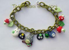 Loving Studio Ghibli bracelet by TiViBi on Etsy Kawaii Jewelry, Cute Jewelry, Unique Jewelry, Baby Jewelry, Studio Ghibli, Bijou Geek, Biscuit, Kawaii Crafts, Dragon Jewelry