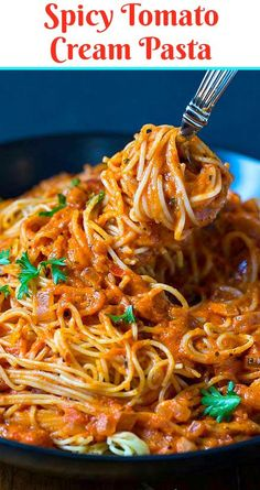 Spicy Tomato Cream Pasta- add a few ingredients to your favorite spaghetti sauce to turn it into creamy, spicy heaven. A fast and flavorful Spicy Tomato Cream Pasta that's perfect for a weeknight meal. Red pepper flakes really give this sauce some heat. Spicy Spaghetti, Spicy Pasta, Spaghetti Recipes, Spaghetti Sauce, Tomato Pasta Recipe, Creamy Tomato Pasta, Ziti Recipe, Spaghetti Squash, Spicy Recipes