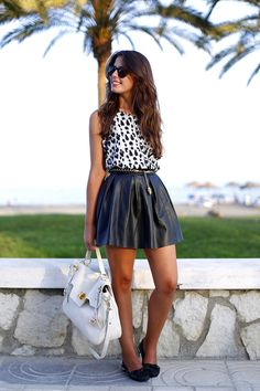 Faldas de cuero son un must have #Fashion #Leather #Skirt