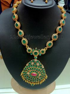 Uncut Diamond Necklace latest jewelry designs - Page 38 of 113 - Indian Jewellery Designs Emerald Necklace, Emerald Jewelry, Dimond Necklace, Gold Jewelry, Ruby Earrings, Gold Necklaces, Antique Jewelry, India Jewelry, Temple Jewellery