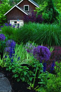 Creating a Modern Cottage Garden Fine Gardening, Succulent Gardening, Garden Planters, Succulents Garden, Organic Gardening, Vegetable Gardening, Urban Gardening, Glass Garden, Indoor Gardening