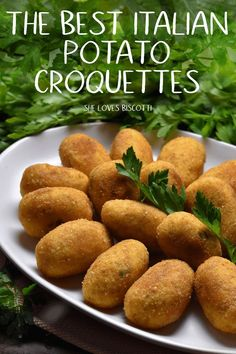 Is there a secret to making the Best Homemade Italian Potato Croquettes?one thing is for sure, these croquettes make one of the best Italian appetizers! You also won't believe how simple and easy this recipe is to make. Potato Side Dishes, Vegetable Side Dishes, Vegetable Recipes, Croquettes Recipe, Potato Croquettes, Italian Potatoes, Sicilian Recipes, Cooking Recipes, Healthy Recipes